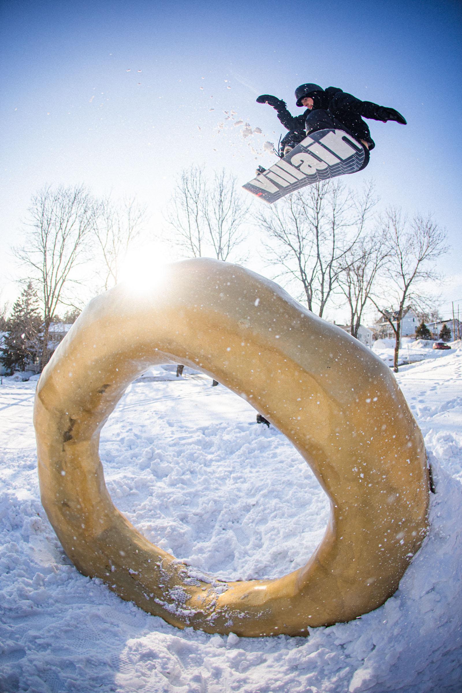 Action - Snowboarding, Canada